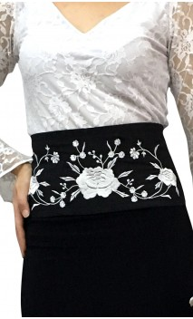 AMAYA Belt Black w/ White