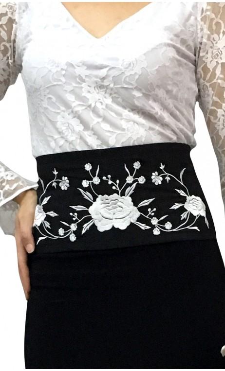 AMAYA Belt Black w/ White