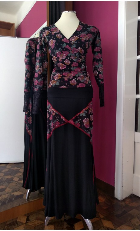 Black Long-skirt w/Panels and Floral Top Set