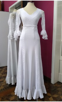 Conjunto Saia e Blusa Brancos c/Renda