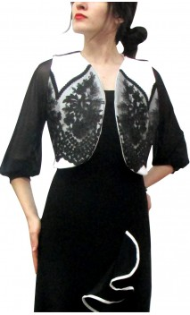 Villamarta Vest w/Embroidered Lace