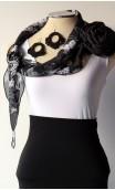 Conjunto Negro y Blanco de Pañuelo, Pendientes y Flor