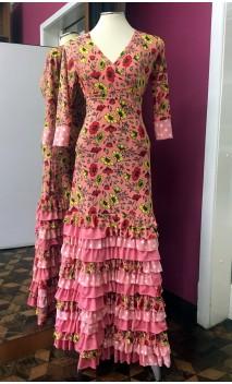 Conjunto Flamenco Salmón Floral de Blusa y Falda 13 Volantes