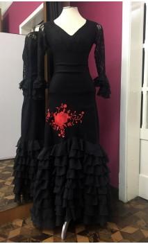 Saia Flamenca Preta 8 Babados c/Bordado Vermelho