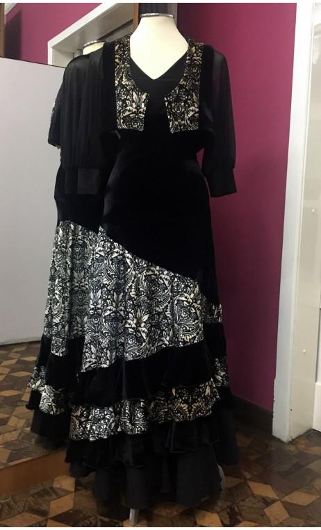 Velvet Vest & Long-Skirt Flamenco Set