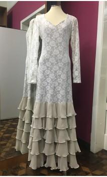 Vestido Flamenco Bege de Renda 5 Babados