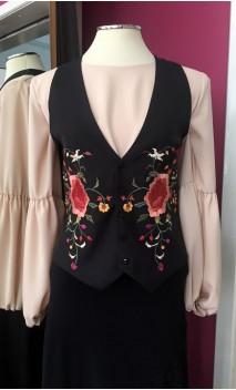 Colete Flamenco Preto com Bordado Floral Colorido