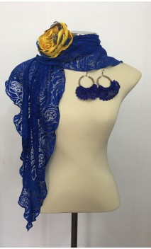 Conjunto Azul e Amarelo de Xale Devorê, Brinco e Flor