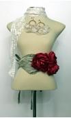 Conjunto Branco e Pink de Brinco, Lenço e Cinturão c/3 Flores