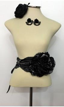 Conjunto Negro y Blanco de Pendientes, Flor y Cinturón de 3 Flores