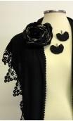 Conjunto Negro de Mantoncillo, Flor y Pendientes