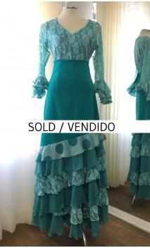 Conjunto Flamenco Verde Blusa y Falda 6 Volantes
