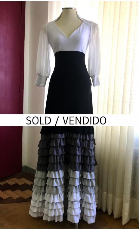 Falda Negra c/Gris y Blanco 13 Volantes